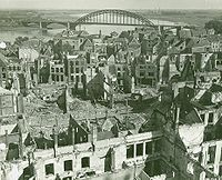 Nijmegen with bridge in background 1944